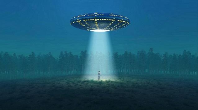 AKTA UFO: Únosy do létajících talířů